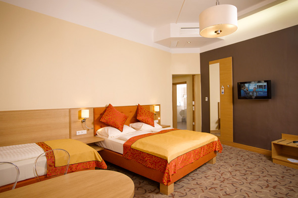 Rooms at Hotel Drei Raben are fully modernized